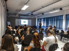 Crianças e adolescentes se divertem em ação realizada pela EQS Engenharia, Empresa Amiga da Criança