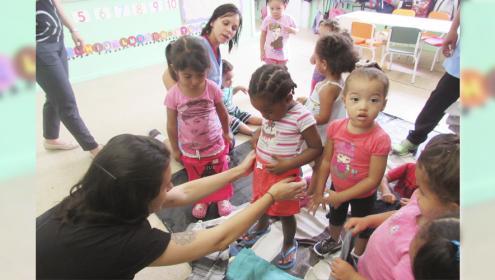 Brandili faz doação de roupas para C. A. Cruz de Malta