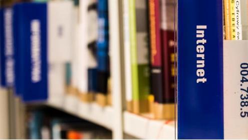 Prima, Empresa Amiga da Criança, doa softwares para bibliotecas de escolas públicas